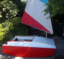 voilier type PDR Racer scow